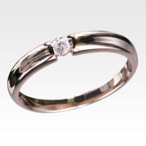Кольцо с центральным бриллиантом Арт 0101097