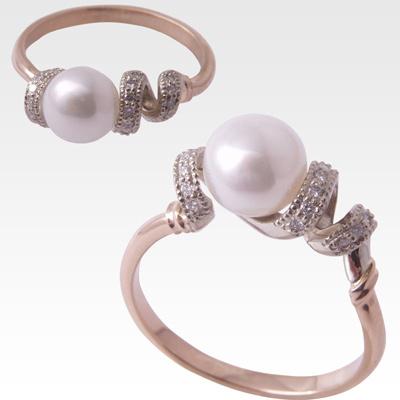 Кольцо из золота с жемчугом и бриллиантами Арт 0501009