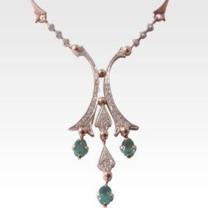Колье из золота с изумрудами и бриллиантами Арт 0213002