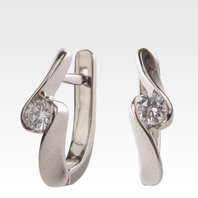 Серьги из белого золота с бриллиантами Арт0102340