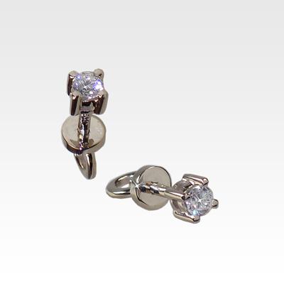 Серьги-гвоздики из белого золота с бриллиантами Арт0102357