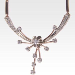 Колье из золота с бриллиантами Арт0113010