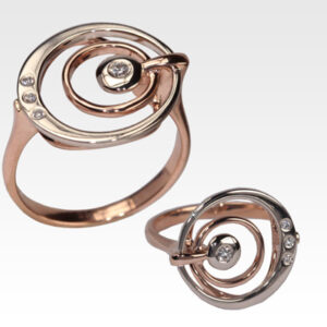 Кольцо из золота с бриллиантами Арт0101806
