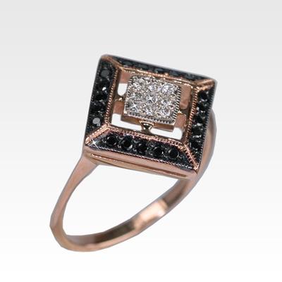 Кольцо из золота с бриллиантами Арт0101931