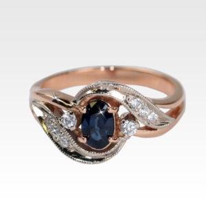 Кольцо из золота с сапфиром и бриллиантами Арт0301067
