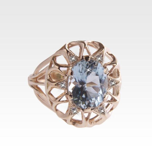 Кольцо из золота с топазом и бриллиантами Арт0601038