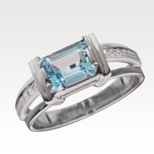 Кольцо из белого золота с топазом и бриллиантами Арт0601061