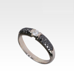 Кольцо из золота с бриллиантами Арт1101198