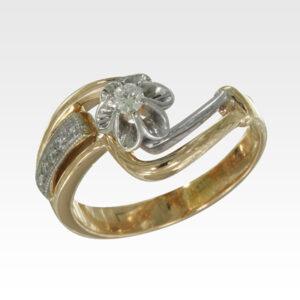 Кольцо из золота с центральным бриллиантом Арт1101405