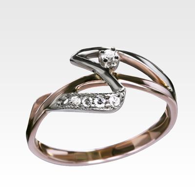 Кольцо из золота с бриллиантами Арт0101579