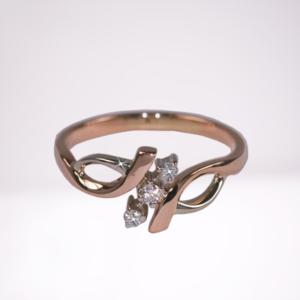 Кольцо из золота с бриллиантами Арт0101919